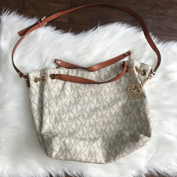 Michael Kors Handbags - Michael Kors Signature Bag